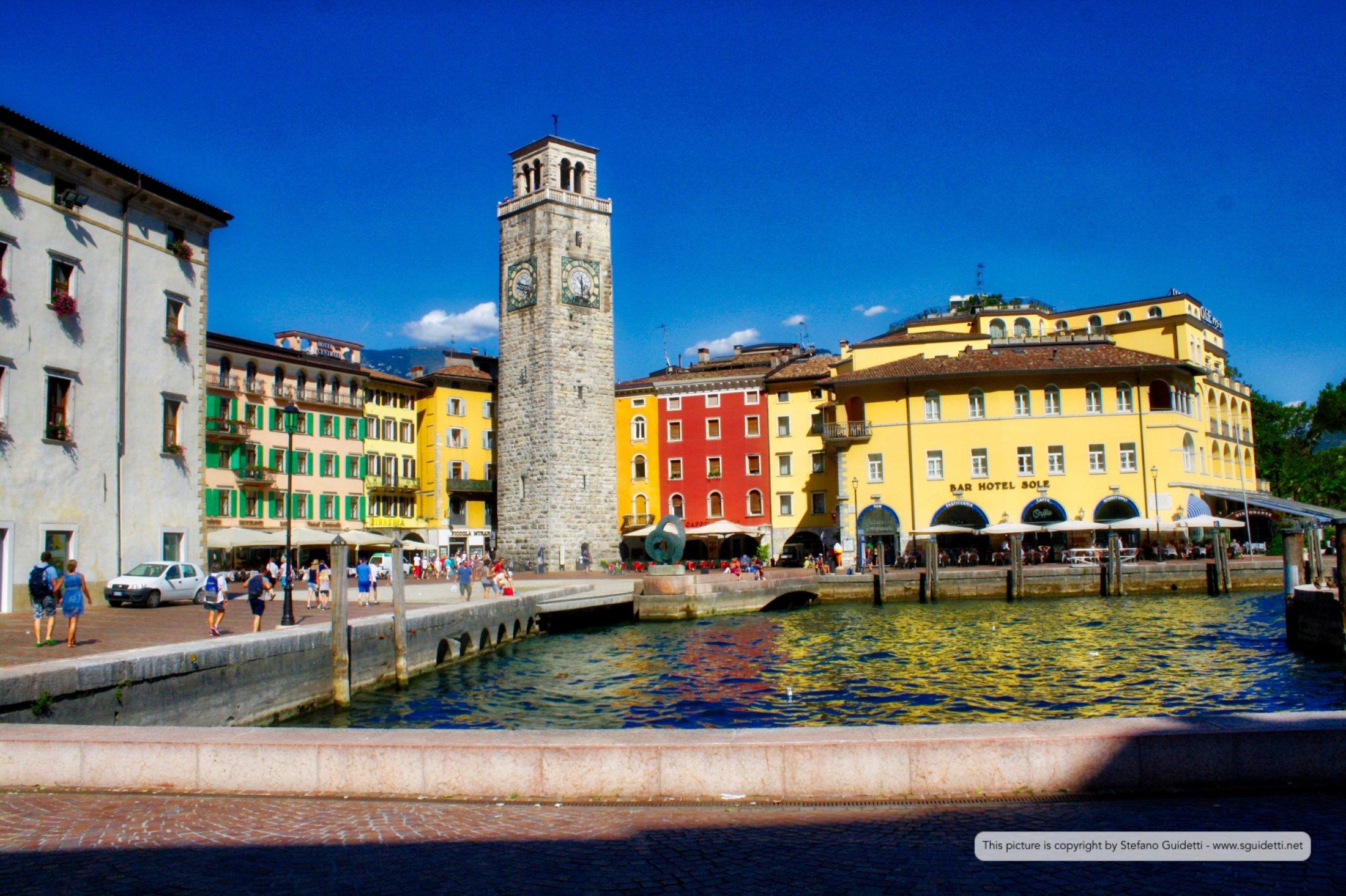 Vista Torre Apponale da Piazza Catena