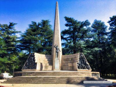 Monumento ad Alcide de Gasperi nel parco di piazza Venezia