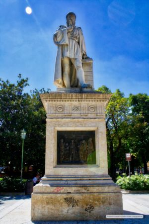 Statua dell'architetto Michele Sanmicheli